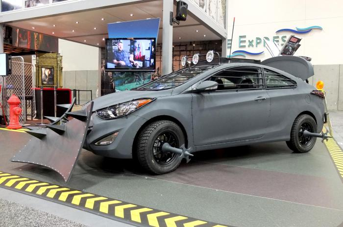 Hyundai-Zombie-Survival-Machine-side
