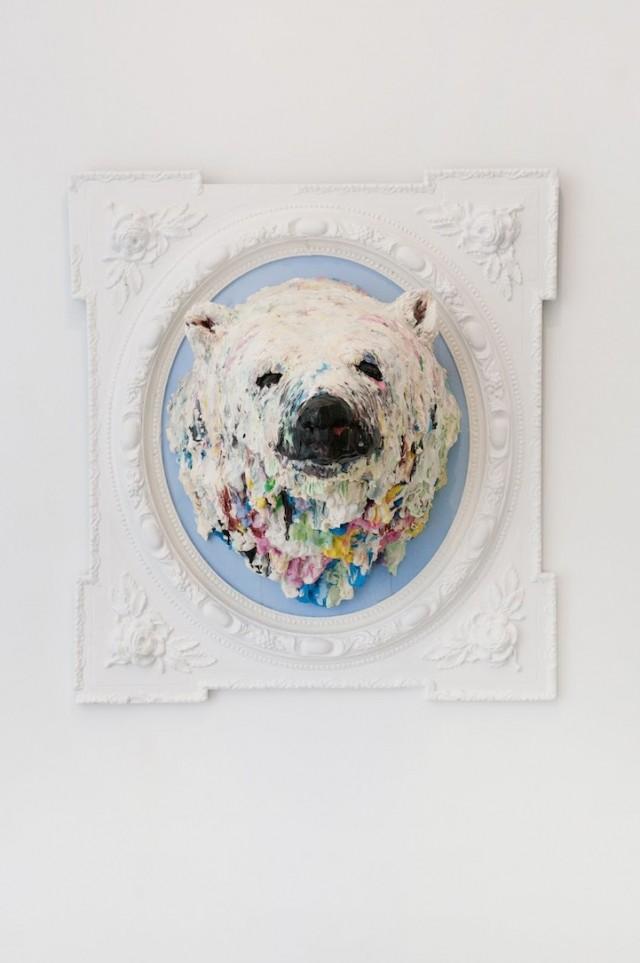 Polar-Bear-Sculpture4-640x963